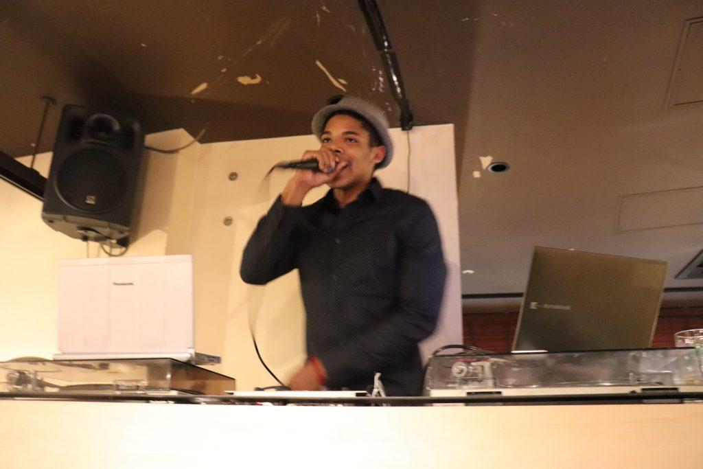 英会話スクール「イングリッシュビレッジ」クリスマスパーティー開催のお知らせ写真4
