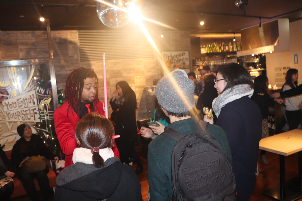 英会話スクール「イングリッシュビレッジ」クリスマスパーティー開催のお知らせ写真2